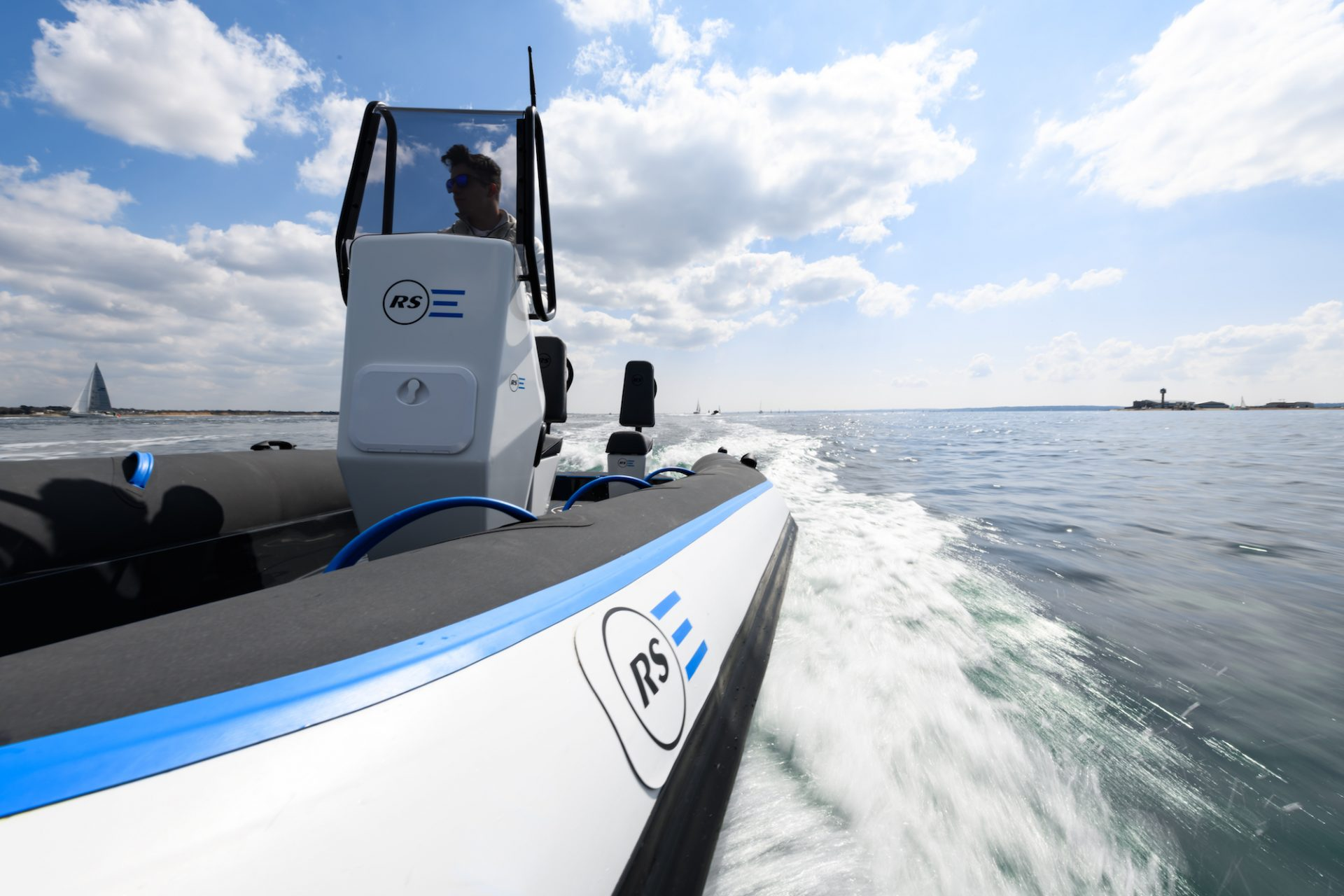 Pulse 63 - Electric RIB - RS Electric Boats - Wash